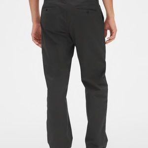 Gap Modern Khaki in Relaxed Fit for Men